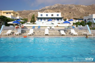 eleni studio with pool in karpathos